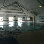 piscine derriere la reception