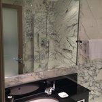 Vue de la salle de bain (Standard room 1 double bed)