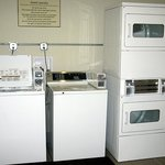 Guest Laundry Facility - LQ Springfield (Jan. 2014)