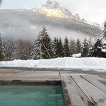 Visuale diurna dell'esterno piscina
