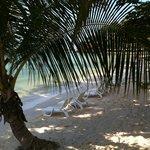 La plage privée de l'hotel