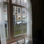 Вид из окна на канал