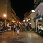 calle Bulto at night