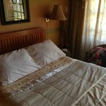 Deluxe Room - Full Size Bed