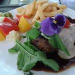Fillet Mignon with fresh seasonal vegetables and fries