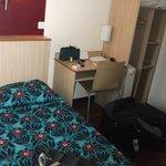 Chambre à 2 lits jumeaux coin bureau