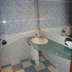 Ótimo banheiro