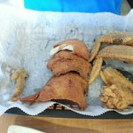 Fried chicken and fish platter