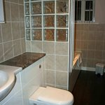 Bath in Barham suite, Broom Park