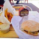 Plain Hamburger and minimum chips