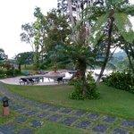Blick vom Restaurant auf den Pool