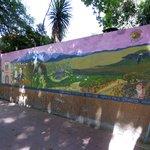 Pared exterior con mural