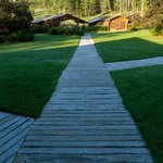 The wooden path from the cabins to the lodge