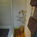 La salle de bains de la chambre ANIS