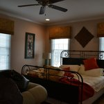 Sunrise Room at the Farmhouse - sleeps 4