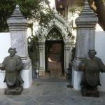 Statue di origine cinese