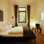 Schlafzimmer Picassa I
