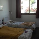 2nd bedroom with 2 single beds