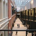 Холл музея.
