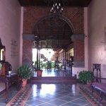 entrada muy colonial