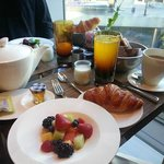 Continental Breakfast at MoZen