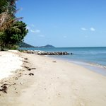 local beach 1 min (100 m) walk