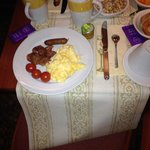 Way to address the lack of vegetables at breakfast. We began to bring vegetables!))