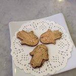 golden chocolate fatima hands