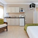 Bachelor unit with single and double bed