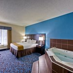 Enjoy a evening relaxing in our Jacuzzi room or ask us about our StayTogether Package!
