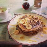 Pancakes with dulce de leche, bananas and walnuts