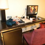 escritorio con tv