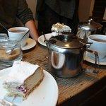 Cheese cake and Earl Grea tea