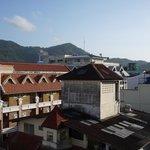 Вид из окна — на крыши