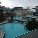 Cristalia vista su piscina esterna calda