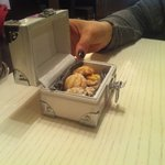 Scrigno di biscottini come accompagnamento al caffè: bravissimi, bellissima idea