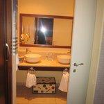 """angolo bagno, camera """"Piero della Francesca"""""""