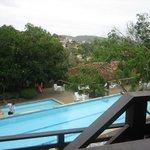 Pileta vista desde el balcon de la habitacion
