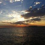 Por do sol a partir do porto de Colonia.