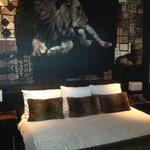 Leeuw boven het bed