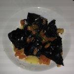 Tortelloni di nero di seppia con ripieno di branzino