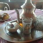 Tomando un té en la terraza