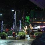 La noche carioca en la puerta del hotel