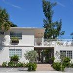 Room options include balconies/terrace