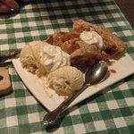 Amazing warm apple pie