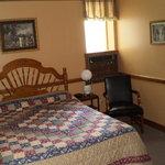 Room 209 - Typical 1 Queen Bed
