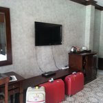 Tv, minibar, place for suitcases, dvd
