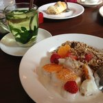 Mint tea and Fruit Muesli Curd