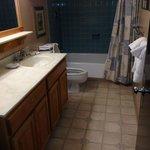 Bathroom Liftside 56+A