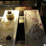 Cheesecake & Mini Meringues